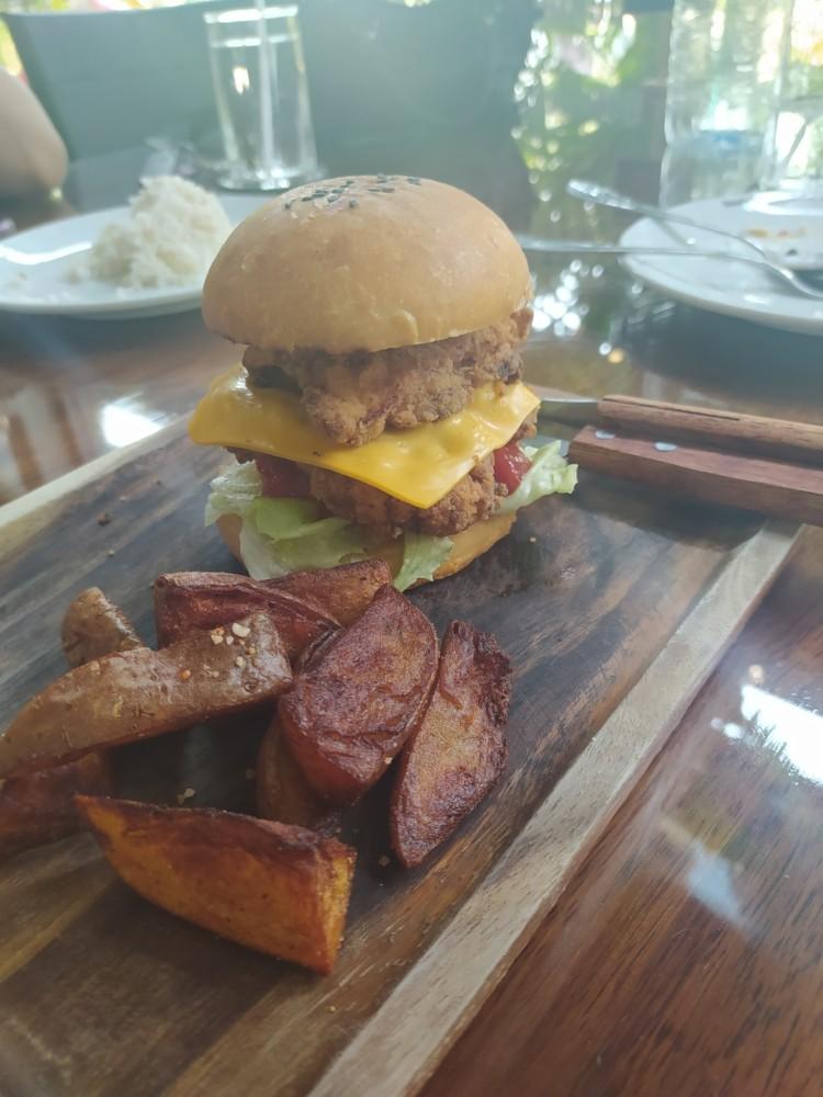 Southern Cross Restaurant chicken burger