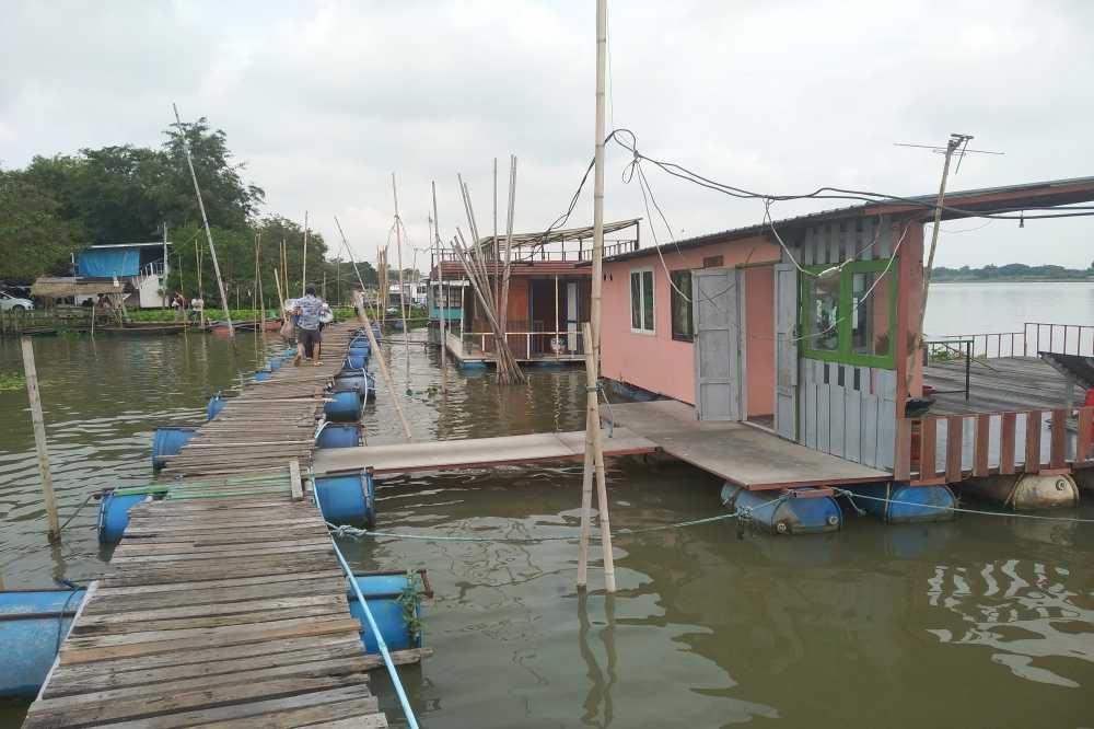 River Fishing Hutts – Ayutthaya แพลุงเจี๊ยบ