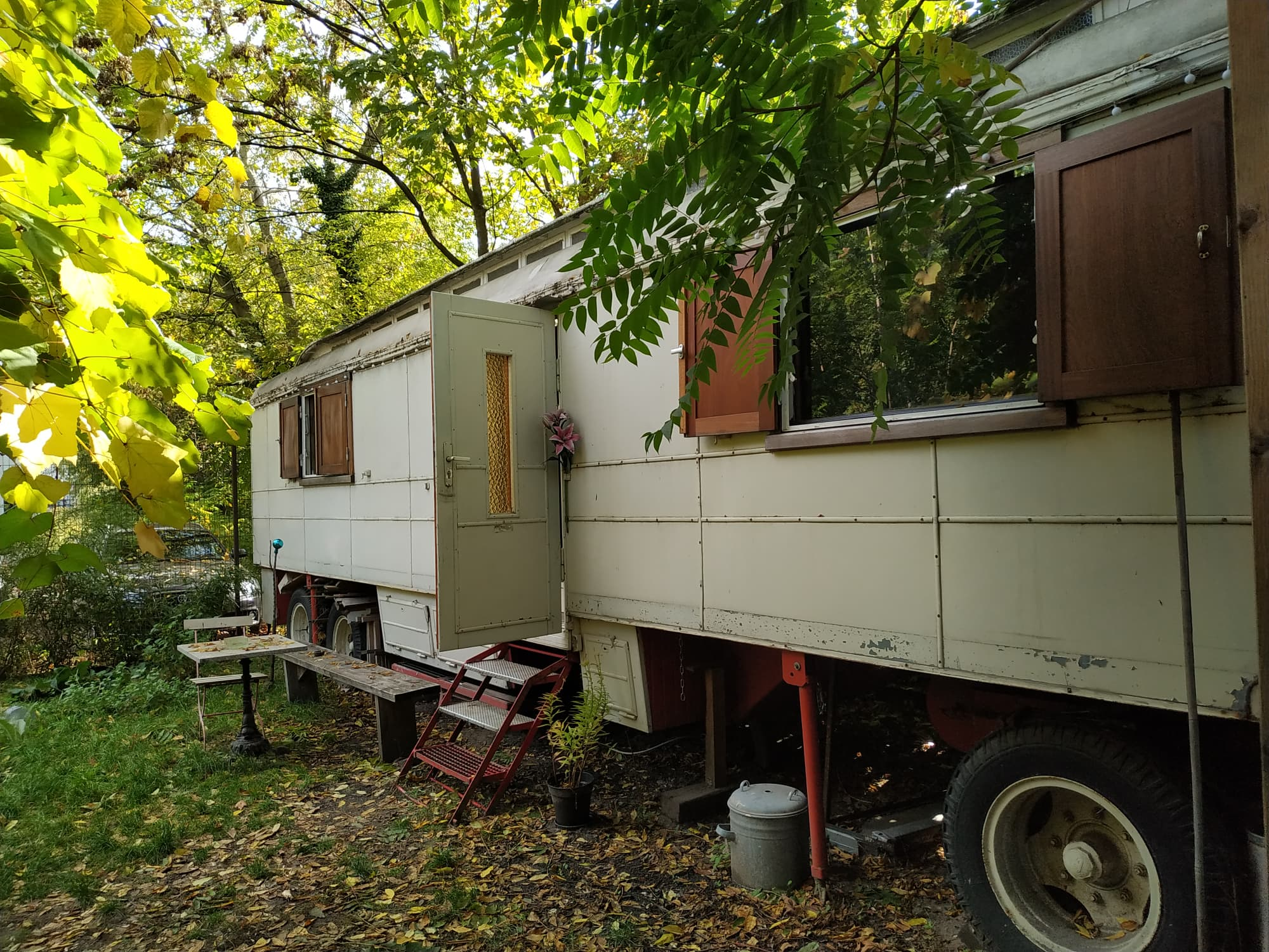 We found a caravan AirBNB near the nightlife in Berlin Germany