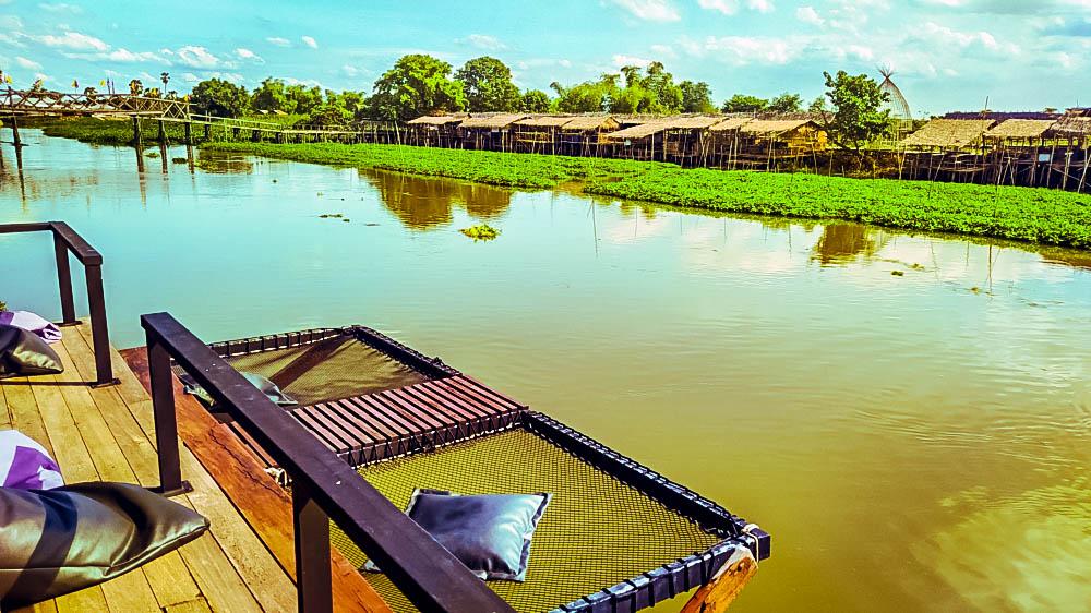hammpck overlooking floating market